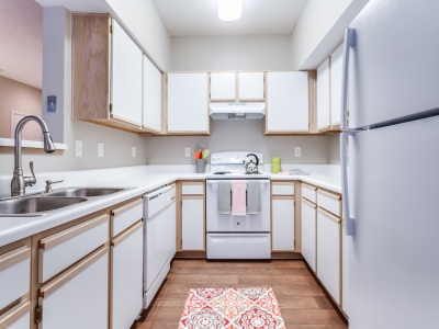 Waterford Creek Apartments Kitchen