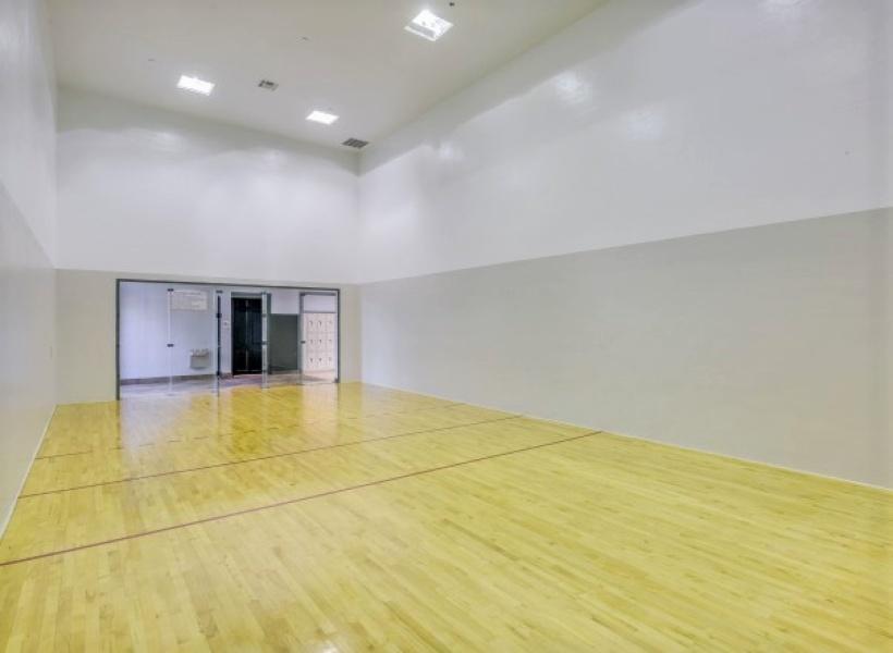 Cottonwood Ridgeview indoor racquetball court