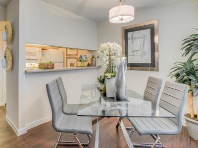 Regatta apartment dining area