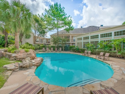Regatta Apartments Pool