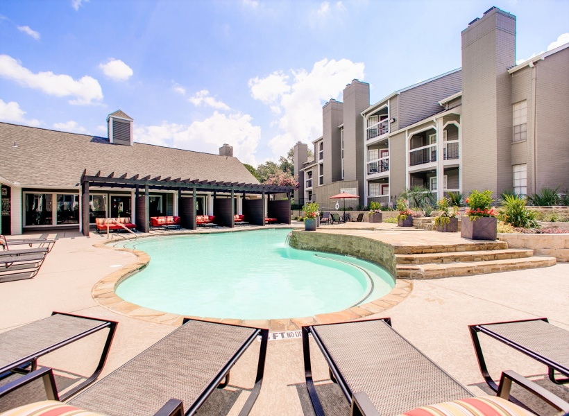 The Arbors of Las Colinas Resort-Style Pool