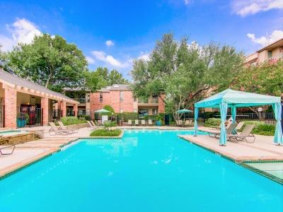 The Oaks of North Dallas Pool